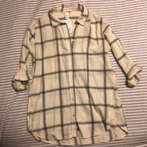 H&M button up top. Size 8. Brand new with tags.